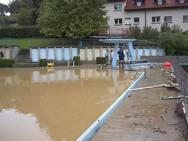 Schwimmbad 02.jpg