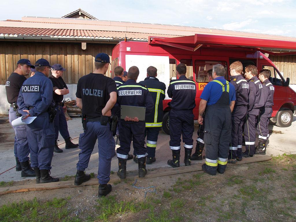 Uebung Personensuche Wald und Rehetobel Feuerwehr 2007 06.jpg.JPG