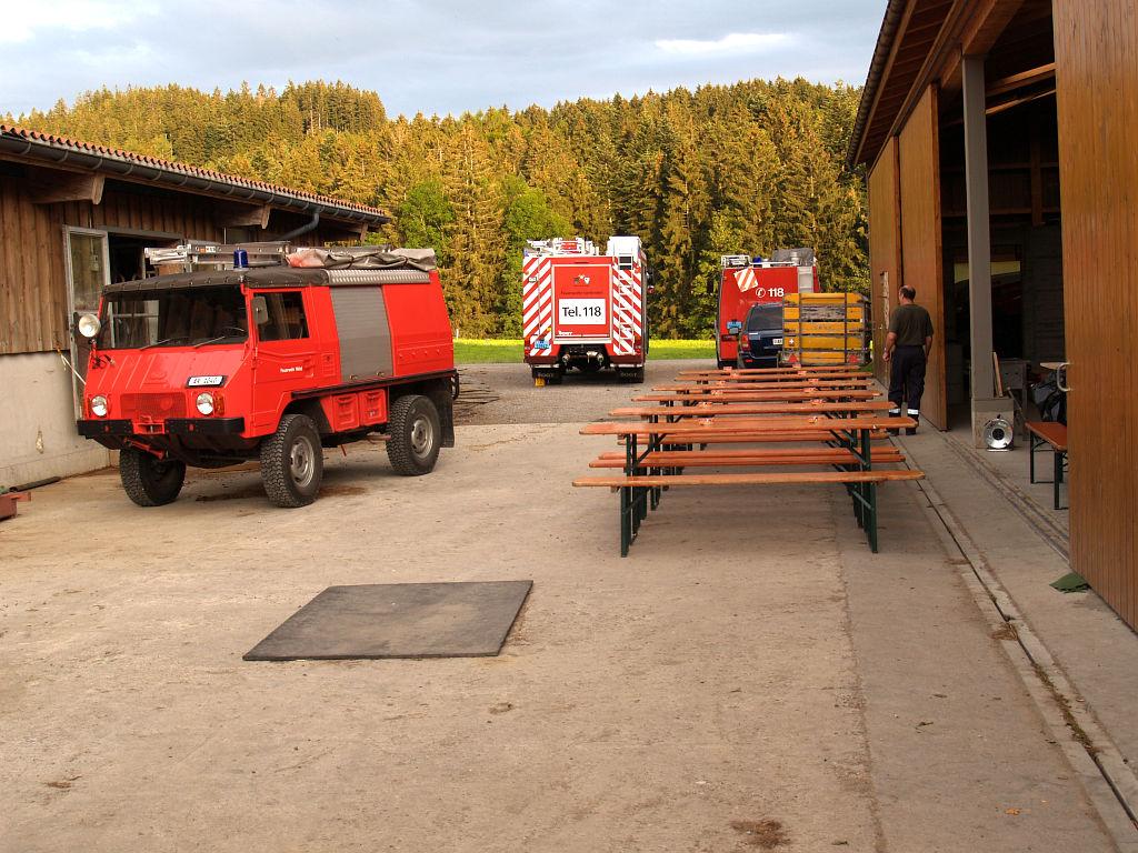 Uebung Personensuche Wald und Rehetobel Feuerwehr 2007 08.jpg.JPG