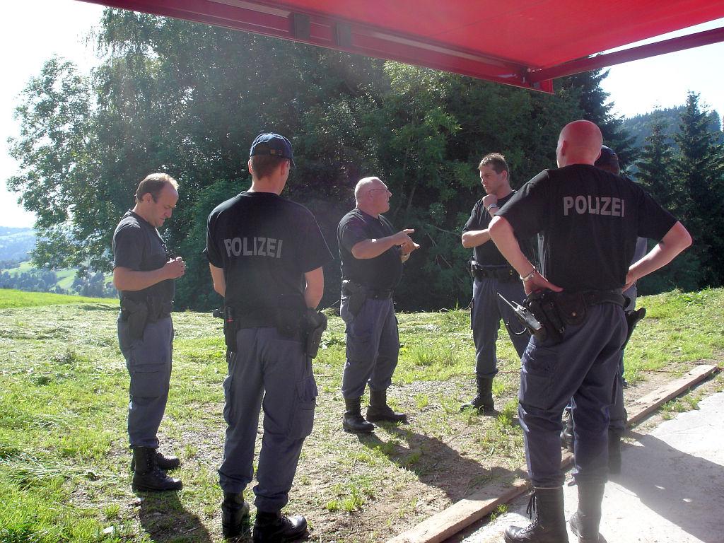 Uebung Personensuche Wald und Rehetobel Feuerwehr 2007 09.jpg.jpg