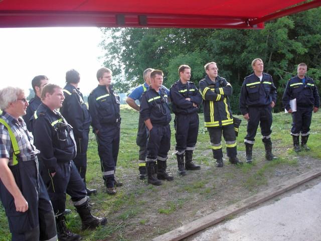 Uebung Personensuche Wald und Rehetobel Feuerwehr 2007 10.jpg.jpg