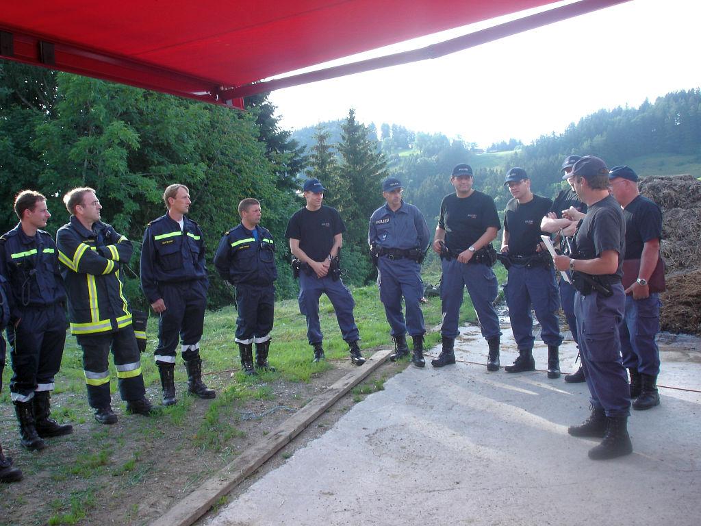 Uebung Personensuche Wald und Rehetobel Feuerwehr 2007 11.jpg.jpg