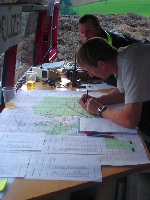 Uebung Personensuche Wald und Rehetobel Feuerwehr 2007 15.jpg.jpg
