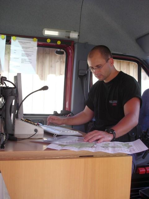 Uebung Personensuche Wald und Rehetobel Feuerwehr 2007 16.jpg.jpg