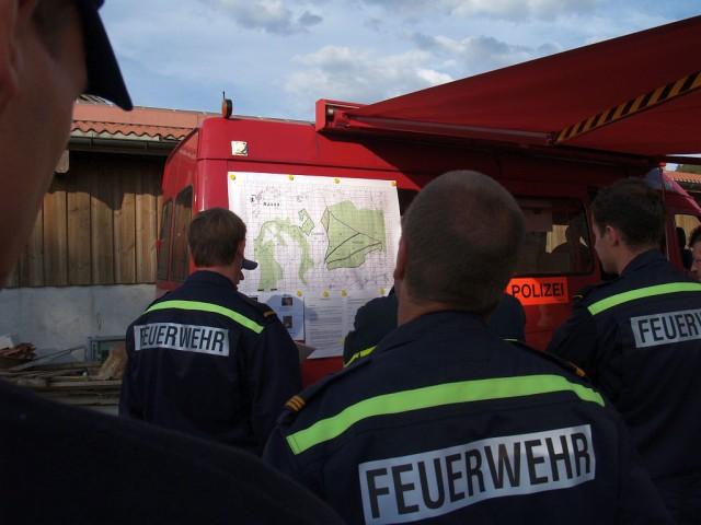 Uebung Personensuche Wald und Rehetobel Feuerwehr 2007 17.jpg.jpg
