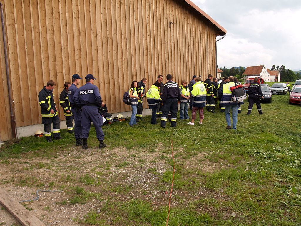 Uebung Personensuche Wald und Rehetobel Feuerwehr 2007 22.jpg.jpg