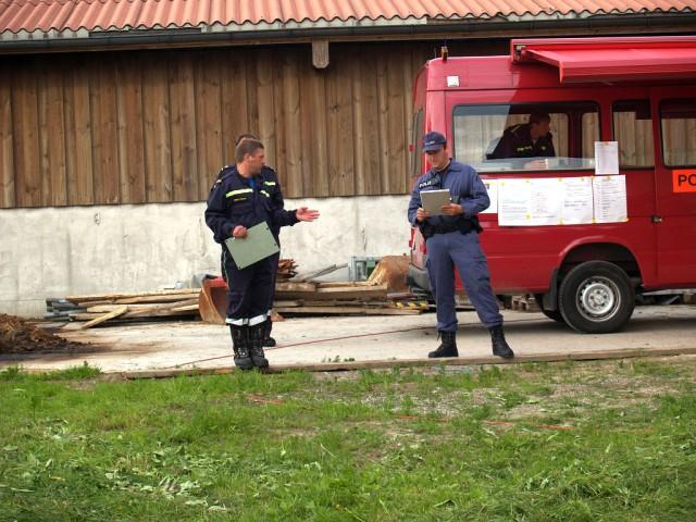 Uebung Personensuche Wald und Rehetobel Feuerwehr 2007 25.jpg.jpg