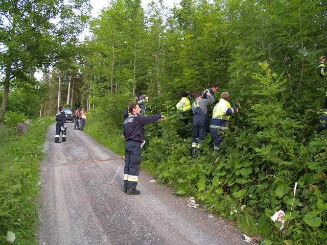 Uebung Personensuche Wald und Rehetobel Feuerwehr 2007 29.jpg.jpg