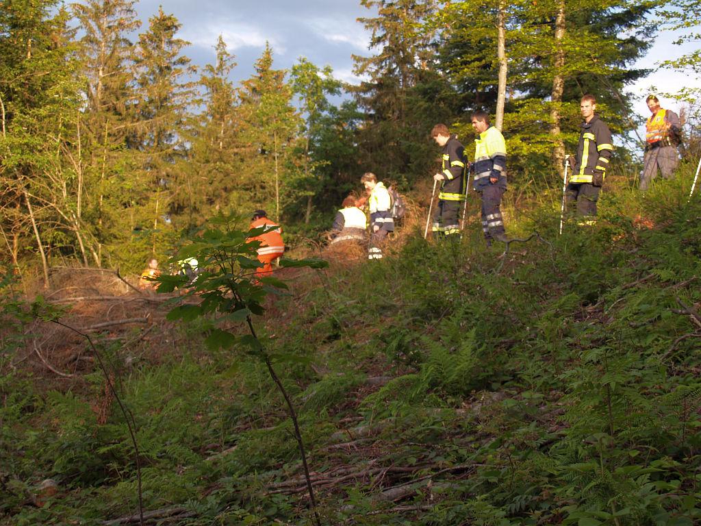 Uebung Personensuche Wald und Rehetobel Feuerwehr 2007 33.jpg.jpg