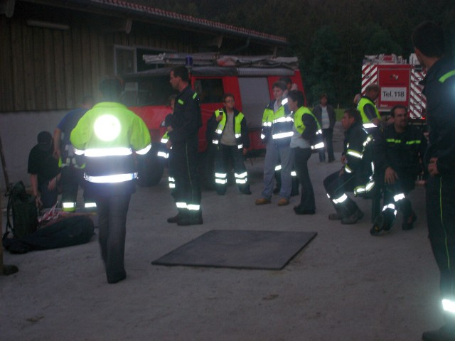 Uebung Personensuche Wald und Rehetobel Feuerwehr 2007 41.jpg.jpg